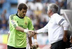 """Casillas """"vừa đấm vừa xoa"""" trong ngày chia tay HLV Ancelotti"""