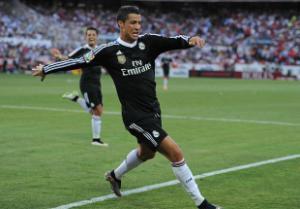 """Ronaldo sắp bắt kịp thành tích ghi bàn của """"mũi tên bạc"""" Di Stefano"""