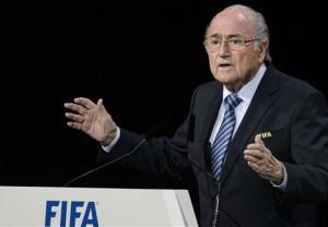 Tái đắc cử đầy tranh cãi, chủ tịch FIFA Sepp Blatter nói gì?