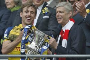 HLV Wenger phấn khích tột độ trong ngày đi vào lịch sử cùng Arsenal