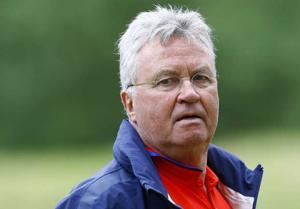 CHÍNH THỨC: Guus Hiddink đột ngột từ chức HLV trưởng tuyển Hà Lan