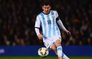 Màn trình diễn của Messi ở trận Argentina hủy diệt Paraguay