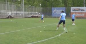 VIDEO: Hết sút rách lưới, Hulk lại sút vỡ tung bóng trong lúc luyện tập