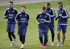 Chile dùng… PlayStation để ngăn cản Messi