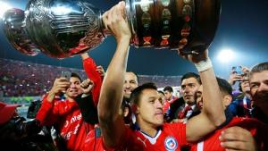 Alexis Sanchez thành công cùng Arsenal và ĐT Chile: Nỗi lo thể lực