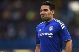 Falcao chính thức bị Chelsea cho ra rìa