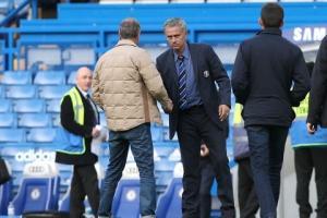 Chelsea mua liền 2 trung vệ vô danh: HLV Mourinho túng quẫn làm liều?