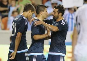 Argentina 7-0 Bolivia: Tam tấu Lavezzi - Messi - Aguero lên đồng