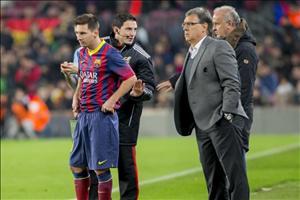 Cựu HLV Barca và Argentina kể chuyện bắt Messi nghỉ chơi