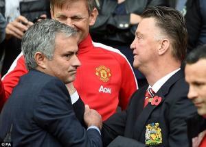 Mourinho xác nhận chuẩn bị tái xuất để thay Van Gaal