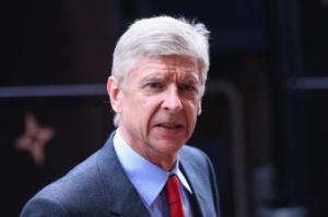"""Wenger """"phản pháo"""" lại những chỉ trích của CĐV Arsenal"""