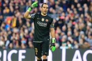 Thủ môn Barca chấn thương, nguy cơ bỏ lỡ derby