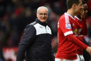 Vì bữa trưa với mẹ, Ranieri bỏ luôn thời khắc lịch sử của Leicester