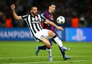 Nếu đến Serie A, Messi và Ronaldo chỉ ghi được bàn như Higuain là cùng