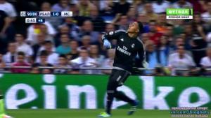 Màn cản phá siêu hạng theo phong cách Manuel Neuer của thủ môn Navas