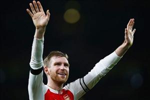 Arsenal nhận tin vui từ chấn thương của Mertesacker