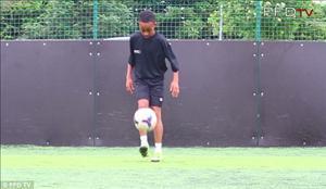 CĐV Arsenal phát cuồng với thần đồng 12 tuổi của đội bóng