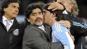 Lionel Messi đang diễn vở kịch ngớ ngẩn