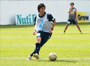 Tiền vệ Tuấn Anh lần đầu đá chính ở Nhât, Yokohama thắng to
