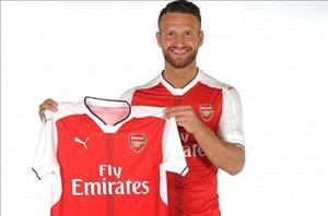 Trung vệ Mustafi CHÍNH THỨC cập bến Arsenal với giá 35 triệu bảng