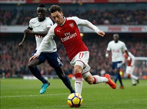 Sao Arsenal hả hê khi Ozil đáp trả chỉ trích