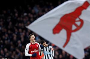Alexis Sanchez - Mesut Ozil: Kẻ đứng sau cơn khô hạn của Arsenal