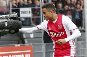 Con trai Kluivert thần tượng Ronaldo nhưng muốn tới Barca