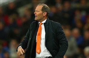 HLV Blind cân nhắc từ chức sau trận thua sốc của ĐT Hà Lan