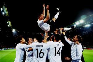 Lukas Podolski: Nhung thuoc phim cuoi cung