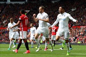 Dư âm Man Utd 1-1 Swansea: Đã nghèo còn mắc cái eo
