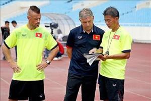 """""""Quan su"""" tu van cho U20 Viet Nam cach danh bai U20 New Zealand"""