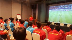 U20 Việt Nam họp đội trước trận gặp U20 Pháp