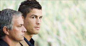 Ronaldo trở lại MU: Mourinho sẽ là người nói không