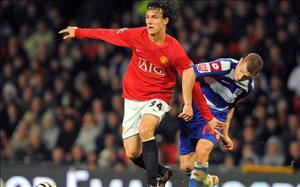 Cầu thủ TP.HCM chê tài cựu tiền vệ từng chơi bóng cho Man United