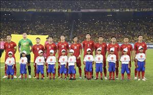Xuc dong voi hinh anh cac tuyen thu Viet Nam giua va sau tran dau voi Malaysia
