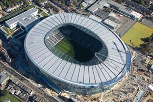 Tottenham không thể tiếp MU trên SVĐ mới