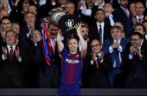 La Liga xác nhận Iniesta sắp rời Barca?