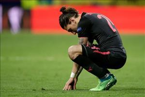 Sao Arsenal trach cu dong doi khong vi Wenger