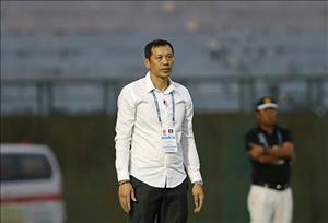 HLV Nguyen Duc Thang bi soc khi SLNA toan thang 7 tran lien tiep