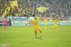CLB Nam Dinh thang 'chung ket nguoc', HLV Sai Gon chi uoc 1 dieu