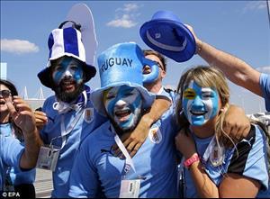 Sân Rostov Arena được nhuộm xanh trong ngày ĐT Uruguay vượt qua vòng bảng