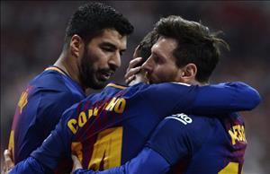 Messi được đồng đội tại Barca tán dương