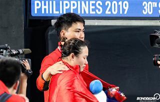 ẢNH: Vương Thị Vân bật khóc khi để thua VĐV cử tạ chủ nhà Philippines