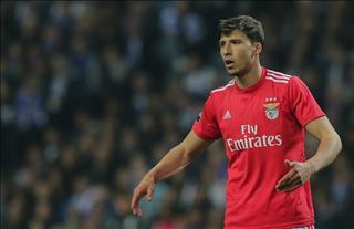 Khát trung vệ giỏi, M.U tính chi 52 triệu bảng cho sao Benfica