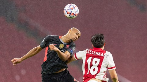 Fabinho tự tin có thể khỏa lấp vị trí Van Dijk để lại