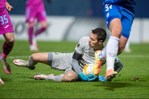 Filip Nguyễn ra sân thi đấu ở giải Europa Conference League