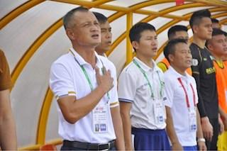 HLV Ngô Quang Trường đổ lỗi cho thẻ đỏ khiến SLNA bại trận