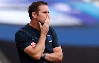 Hàng thủ Chelsea: Không phải Lampard muốn vá là được