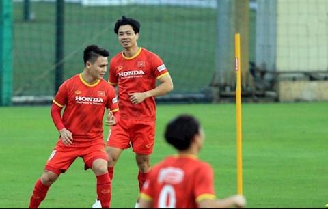 ĐT Việt Nam trở lại tập luyện trong ngày vắng HLV Park Hang Seo
