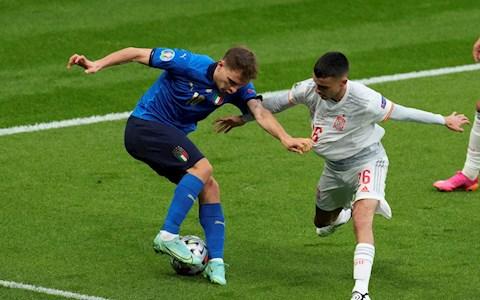 Mổ băng: Italy 1 - 1 Tây Ban Nha - Khi con người quyết định chiến thuật